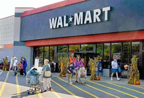 Walmart in Harlem would put other food stores out of ...