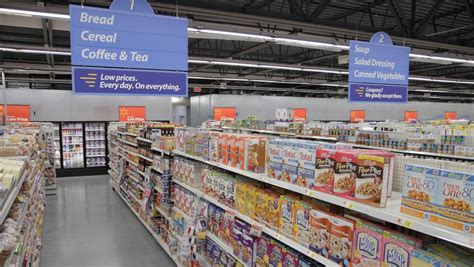 Walmart introduces grocery ordering and store pickup in ...