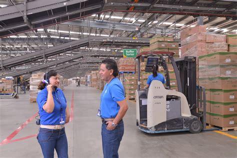 Walmart Mexico associates   Walmart México