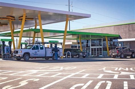 Walmart Opens First Convenience Store and Gas Station ...