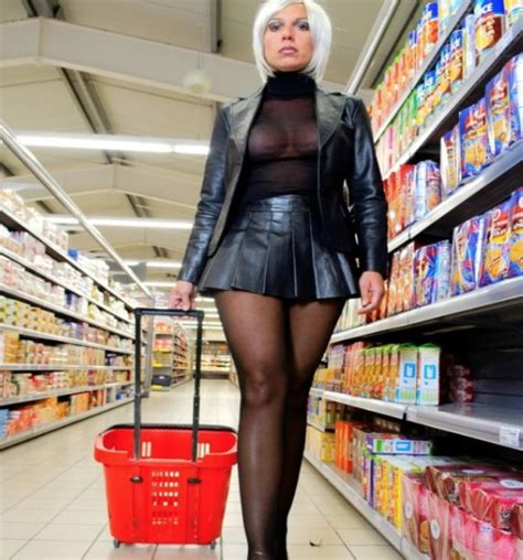 Walmart Shoppers Gone Wild   EternalLifestyle