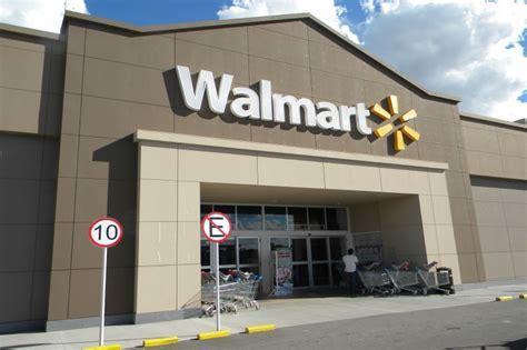Walmart sucursal La Plata ofrece servicio 24hs