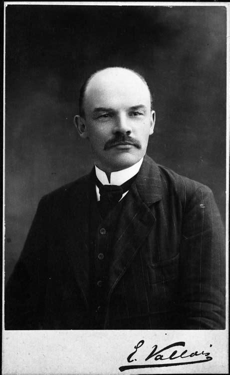 Was Adolf Hitler aquainted with Vladimir Lenin?   Stormfront