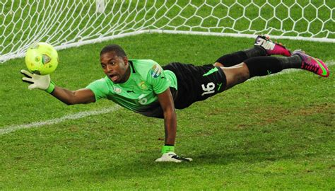 Watch The Best Penalty Saves from Goalkeepers Of All Times ...