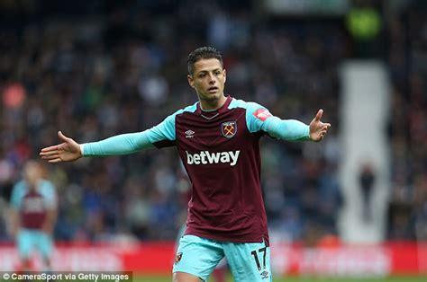 West Ham forward Javier Hernandez a little lost on wing ...