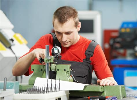 What Are the Different Types of Factory Jobs?  with pictures