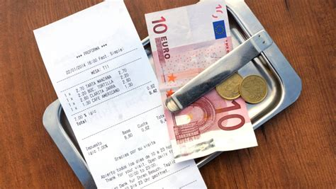 What s the tipping etiquette in European restaurants ...