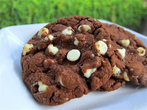White Chocolate Chip Nutella Cookies | Plain Chicken