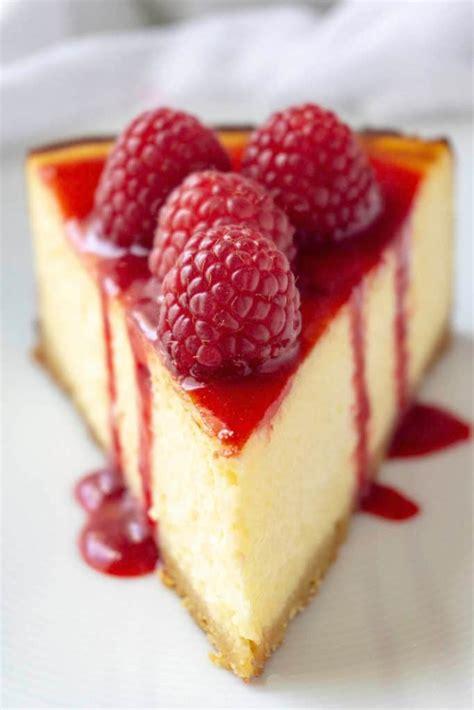 White Chocolate Raspberry Cheesecake | Foodtasia
