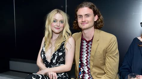Who Is Dakota Fanning Dating? She s Been With Her ...
