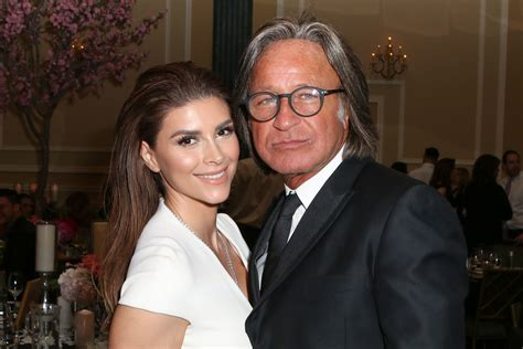 Who is Mohamed Hadid s fiancee Shiva Safai? Wiki: Age, Net ...