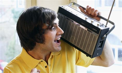 Why listening to the radio gives us more pleasure than ...