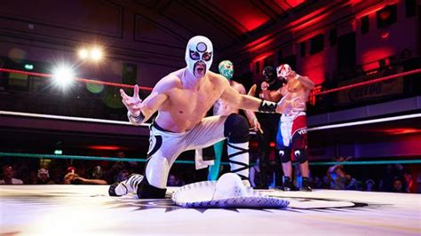 Why Lucha Libre is better than the WWE | Coach