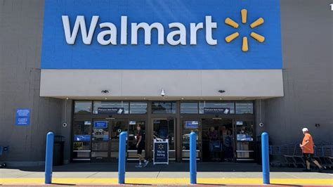 Why Walmart might eliminate cashiers from its stores