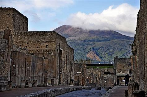Why You Shouldn't Go to Pompeii Without Visiting Mount ...