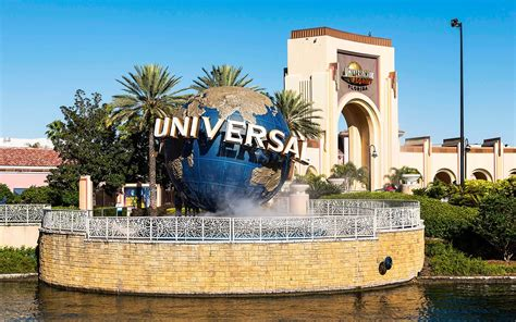 Will Universal Studios Orlando Close Because of Hurricane ...