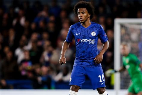 Willian expects Chelsea to fight on as usual despite 'big ...