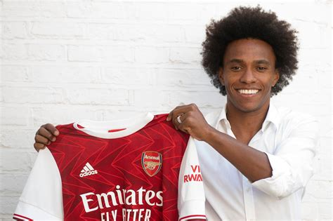 Willian: First pictures as Arsenal unveil new signing ...