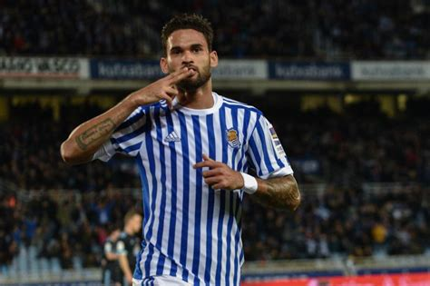 Willian Jose Gets His Chance For Brazil