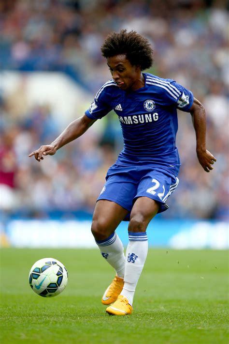 Willian Photos Photos   Chelsea v Aston Villa   Premier ...