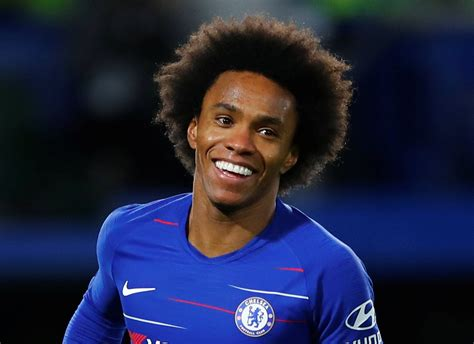 Willian reveals what he told Higuain before penalty in ...