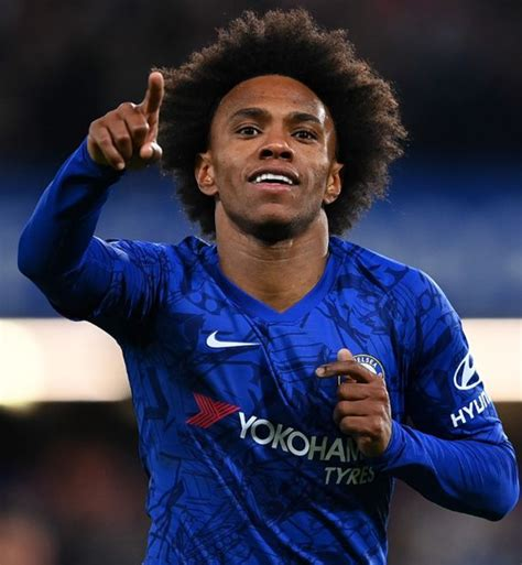 Willian salary: How much does the Arsenal and Tottenham ...