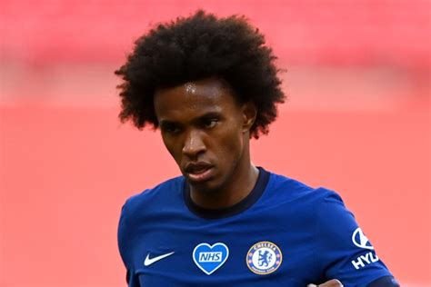 Willian set to sign new Chelsea contract with Blues star ...