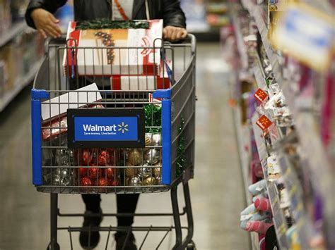 Winning: Walmart Raises Wages, Gives Bonuses to Over One ...