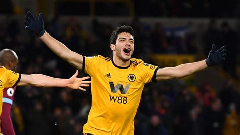 Wolves sign Mexican striker Jimenez for club record £30m