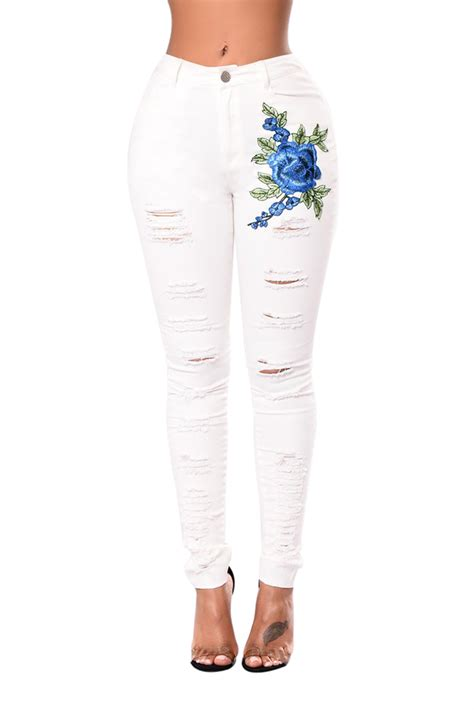 Women In Blue Rose Embroidery Distressed White Skinny Jeans