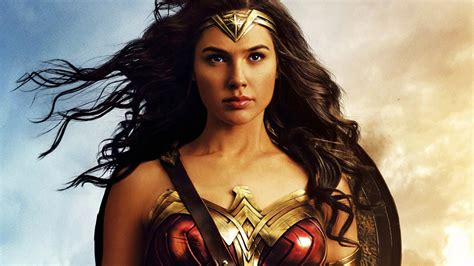 Wonder Woman  goes to the 1980s! Check out new pics from ...