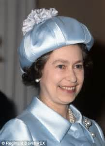 World s unlikeliest relatives: Yes, her Majesty really is ...