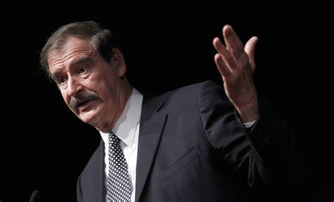 "Ya te sientes Dios?"", pregunta Vicente Fox a AMLO ..."