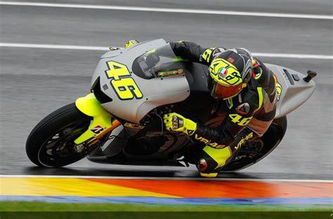 Yamaha celebra la bienvenida de Valentino Rossi