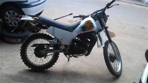 Yamaha DT 125 2T Cold Start.   YouTube