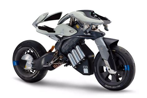 Yamaha MOTOROiD: ¿tienen sentido las motos autónomas ...