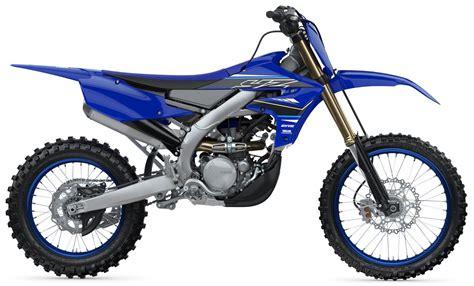 Yamaha presenta su línea YZ 2021, mejorada y pintada de ...
