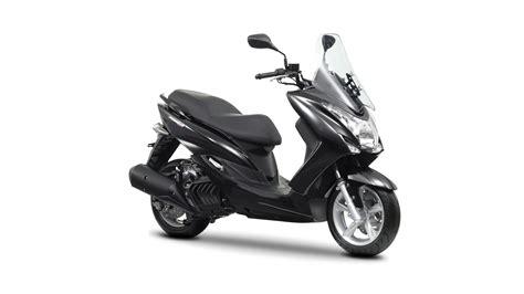 Yamaha's new Majesty S 125cc scooter   Visordown