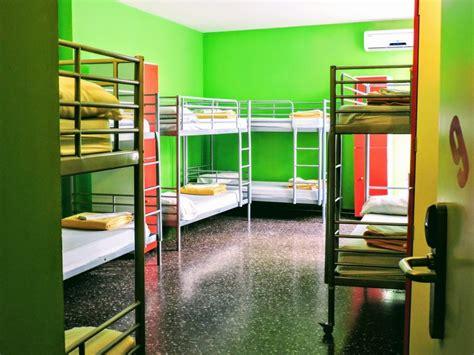 Yellow Nest Hostel Barcelona. Camas desde 12€ cerca del ...