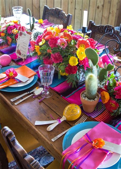 Your Guide To Festive Mexican Inspired Table Styling ...