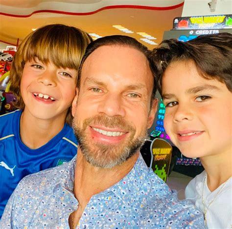 Zague y sus hijos,  puro amor , en redes sociales