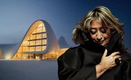 Zaha Hadid, quién es la primera arquitecta en ganó el ...