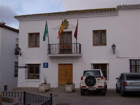 Zahara de la Sierra, monumentos, gastronomía y rutas de ...