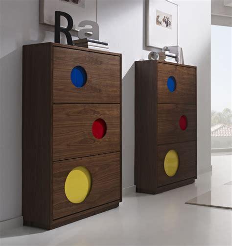 Zapateros fotos zapateros de madera con colores ...