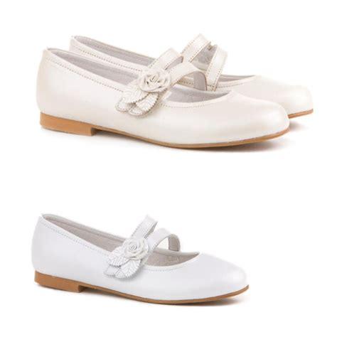 Zapato de Comunión de niña en piel con velcro