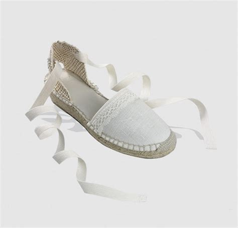 Zapatos de comunión para niñas 2016: diferentes estilos ...