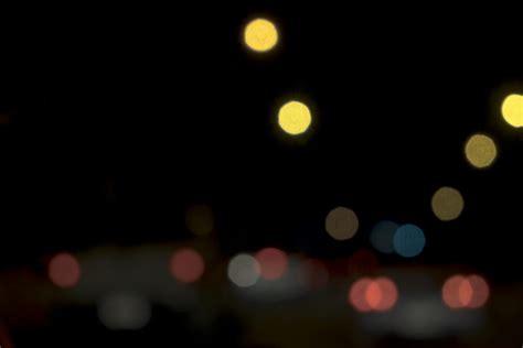 Zusammenfassung bokeh blur lichter nacht in der straße ...